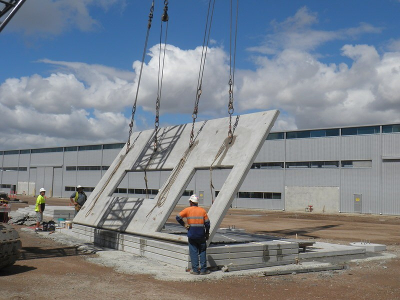 Tilt Up Concrete Slabs : Precast tilt up construction formwork system rmcs